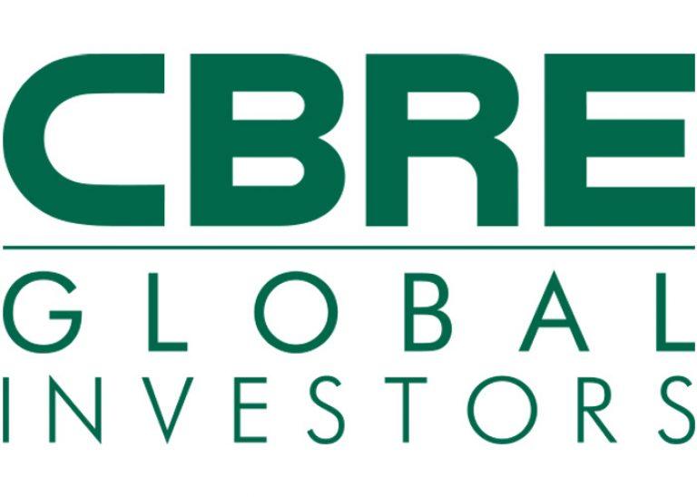 Logo CBRE 700×500
