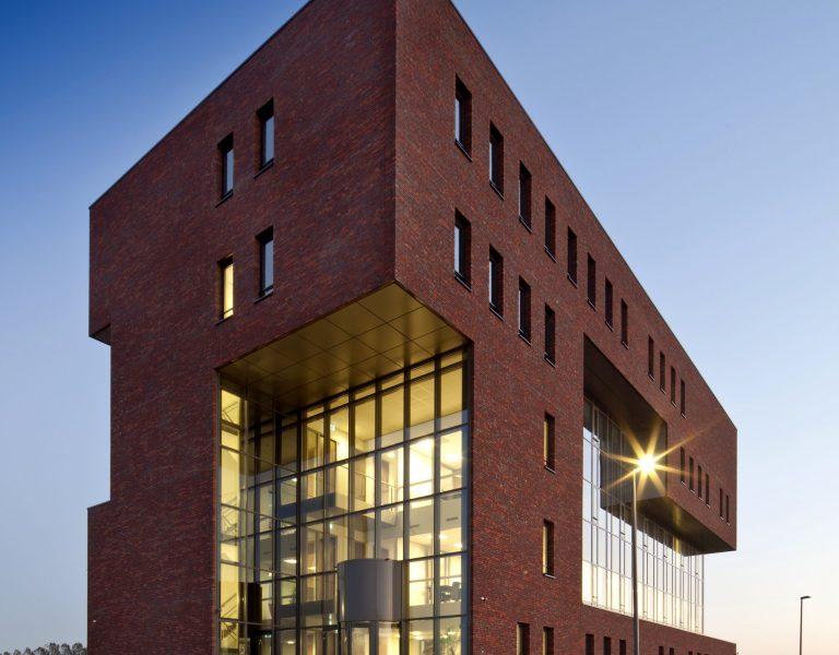aanzicht kantoorgebouw Steenwijk